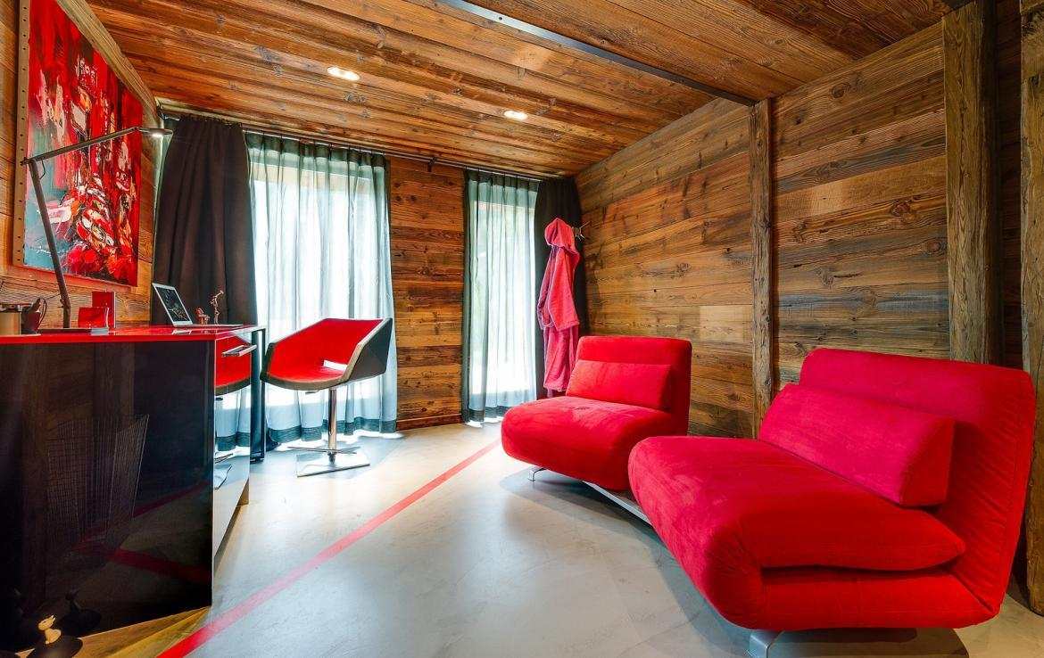 Kings-avenue-val-disere-snow-chalet-sauna-childfriendly-study-fireplace-games-room-parking-val-disere-025-25
