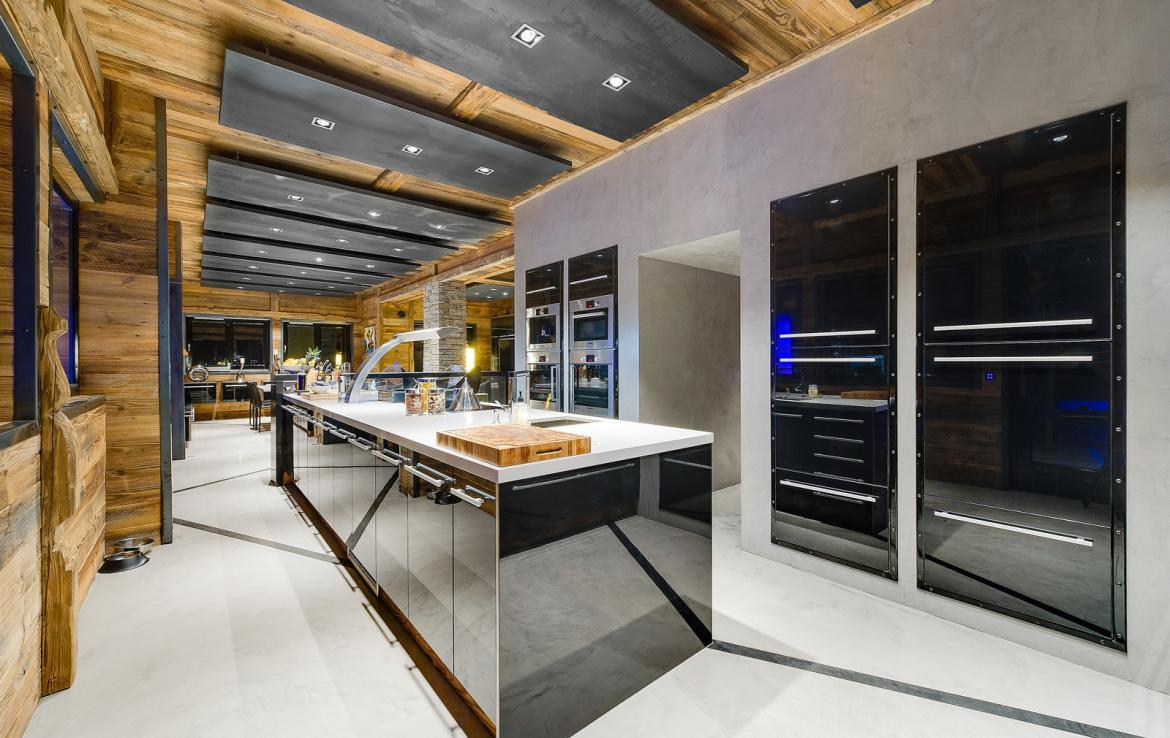 Kings-avenue-val-disere-snow-chalet-sauna-childfriendly-study-fireplace-games-room-parking-val-disere-025-9