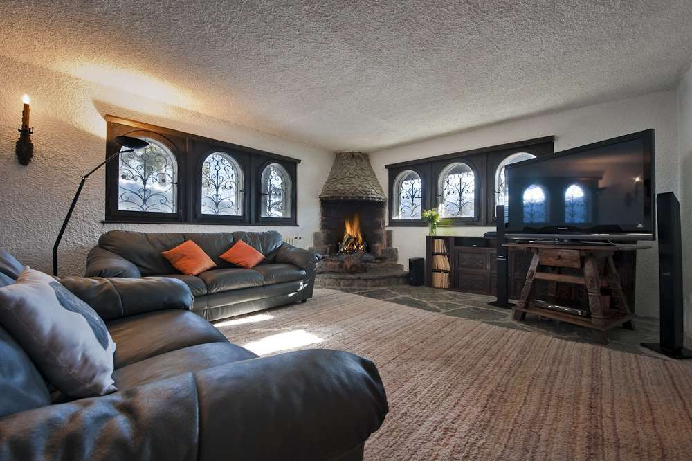 Kings-avenue-various-alpine-resorts-snow-chalet-sauna-childfriendly-study-fireplace-games-room-parking-crans-montana-004-10