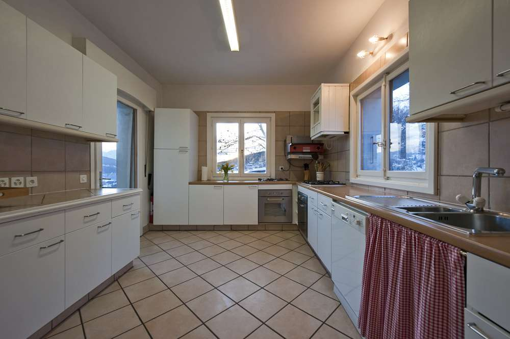 Kings-avenue-various-alpine-resorts-snow-chalet-sauna-childfriendly-study-fireplace-games-room-parking-crans-montana-004-8