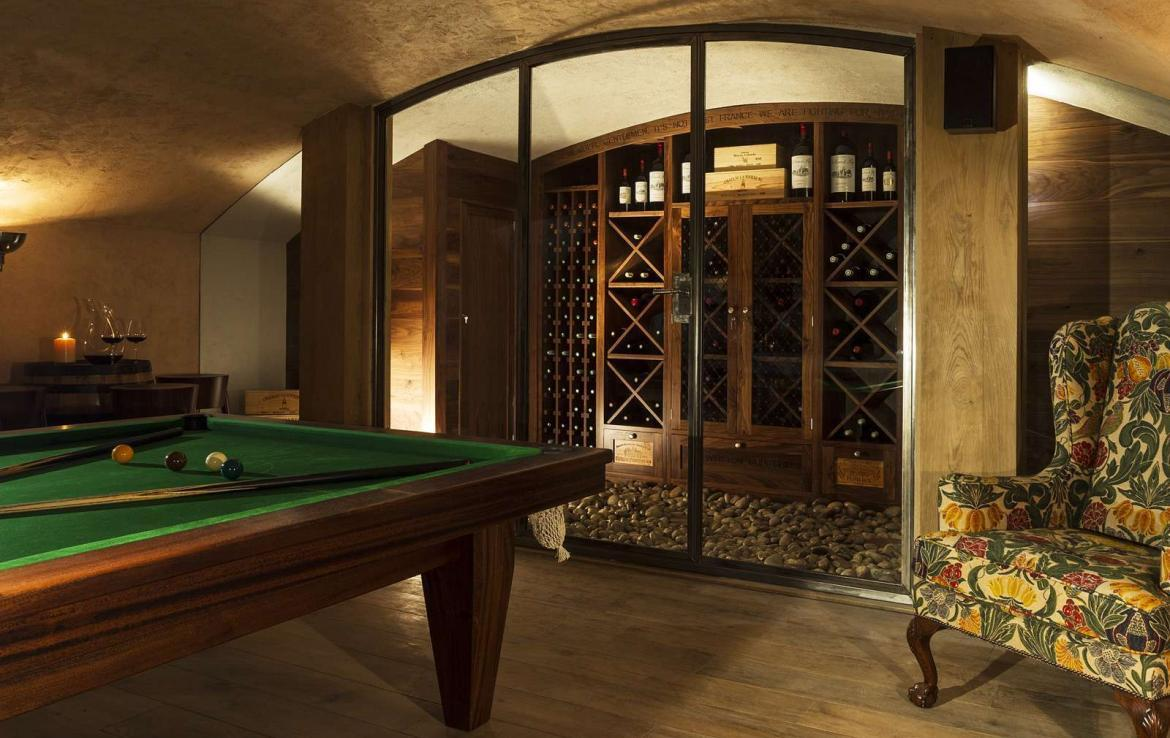 Kings-avenue-various-alpine-resorts-snow-chalet-sauna-gym-parking-childfriendly-grand-piano-fireplace-les-gets-001-12