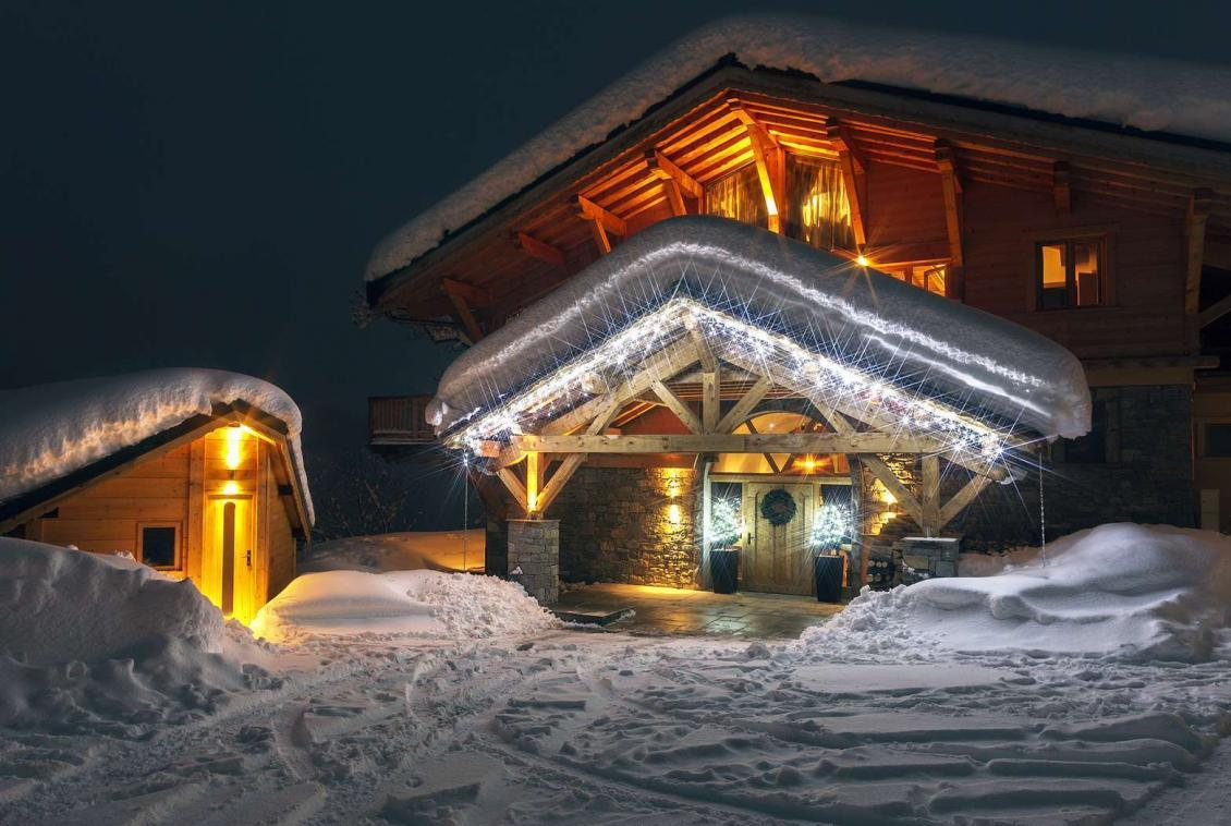 Kings-avenue-various-alpine-resorts-snow-chalet-sauna-gym-parking-childfriendly-grand-piano-fireplace-les-gets-001-2