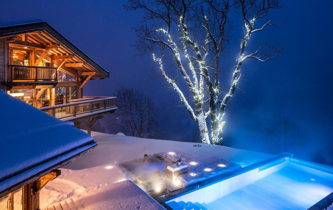 Kings-avenue-various-alpine-resorts-snow-chalet-sauna-gym-parking-childfriendly-grand-piano-fireplace-les-gets-001-3