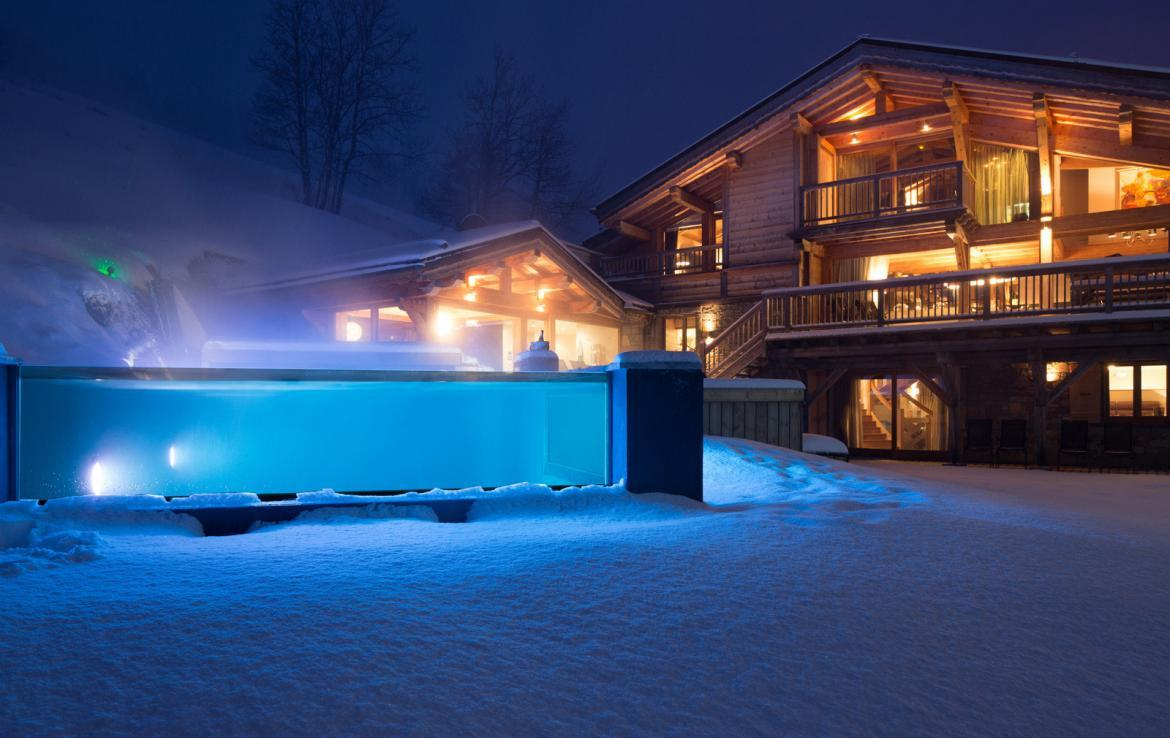 Kings-avenue-various-alpine-resorts-snow-chalet-sauna-gym-parking-childfriendly-grand-piano-fireplace-les-gets-001-4