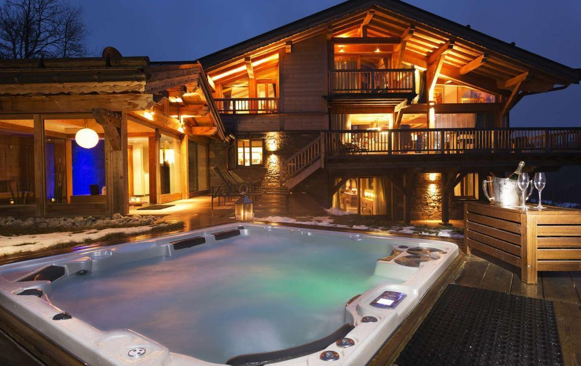 Kings-avenue-various-alpine-resorts-snow-chalet-sauna-gym-parking-childfriendly-grand-piano-fireplace-les-gets-001-5