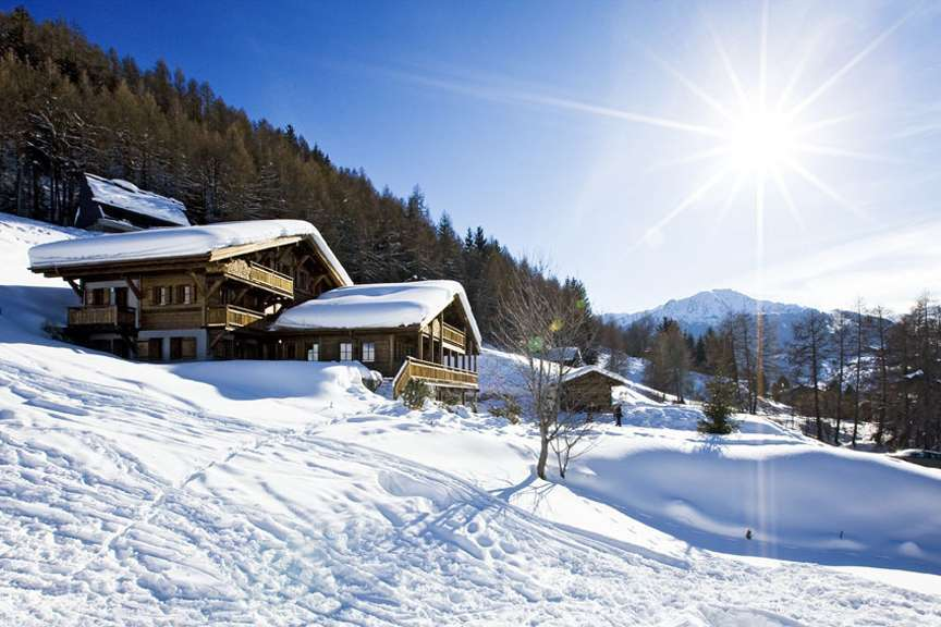 Kings-avenue-various-alpine-resorts-snow-chalet-sauna-outdoor-jacuzzi-childfriendly-hammam-les-4-vallees-001-1