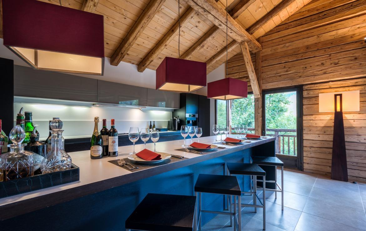 Kings-avenue-various-alpine-resorts-snow-chalet-sauna-outdoor-jacuzzi-childfriendly-parking-fireplace-les-gets-001-7