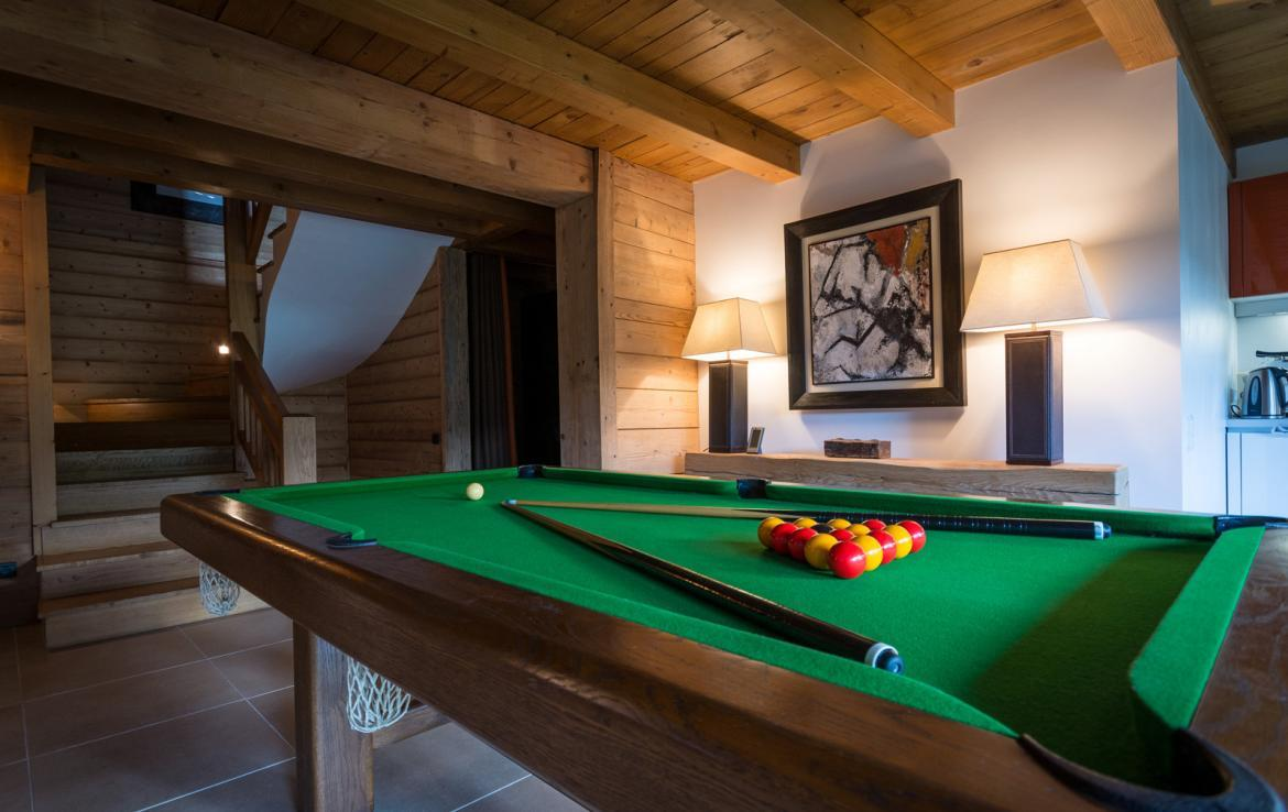 Kings-avenue-various-alpine-resorts-snow-chalet-sauna-outdoor-jacuzzi-childfriendly-parking-fireplace-les-gets-001-9