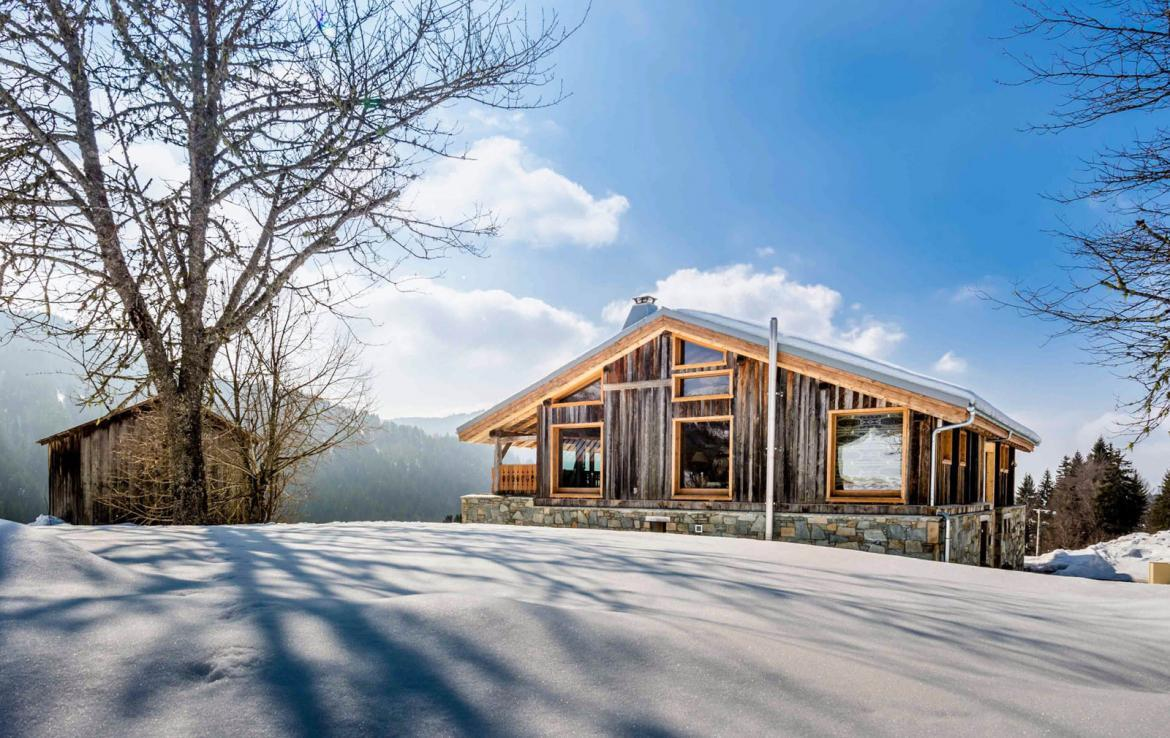 Kings-avenue-various-alpine-resorts-snow-chalet-sauna-outdoor-jacuzzi-fireplace-childfriendly-parking-les-gets-002-1