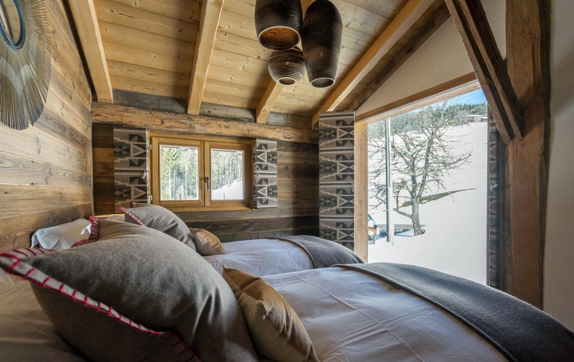 Kings-avenue-various-alpine-resorts-snow-chalet-sauna-outdoor-jacuzzi-fireplace-childfriendly-parking-les-gets-002-18