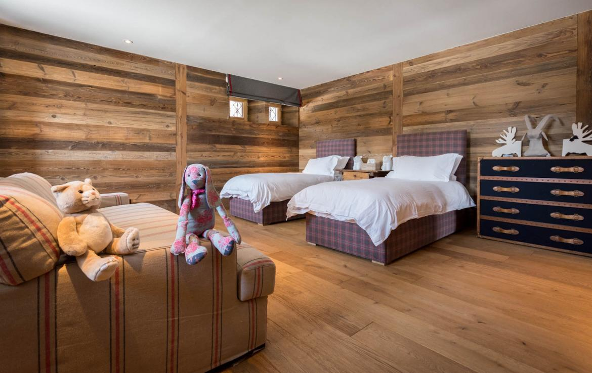 Kings-avenue-various-alpine-resorts-snow-chalet-sauna-outdoor-jacuzzi-fireplace-childfriendly-parking-les-gets-002-21