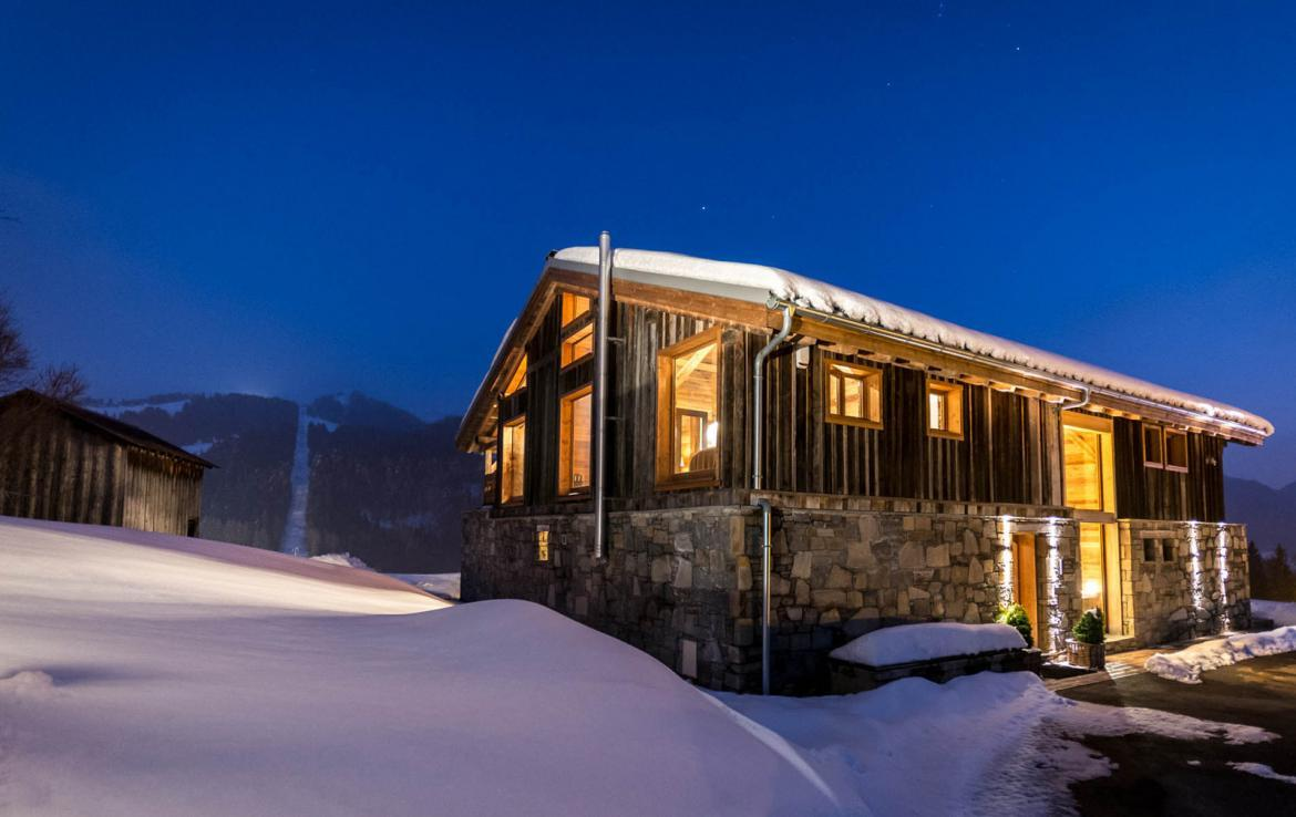 Kings-avenue-various-alpine-resorts-snow-chalet-sauna-outdoor-jacuzzi-fireplace-childfriendly-parking-les-gets-002-23