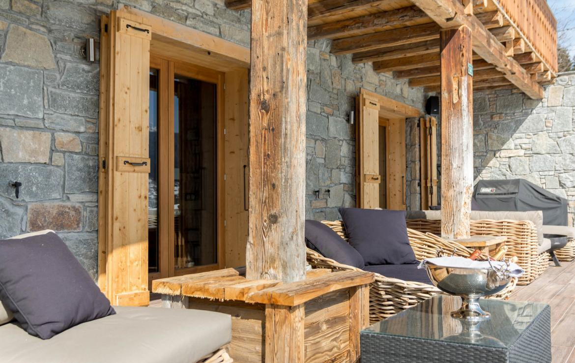 Kings-avenue-various-alpine-resorts-snow-chalet-sauna-outdoor-jacuzzi-fireplace-childfriendly-parking-les-gets-002-9