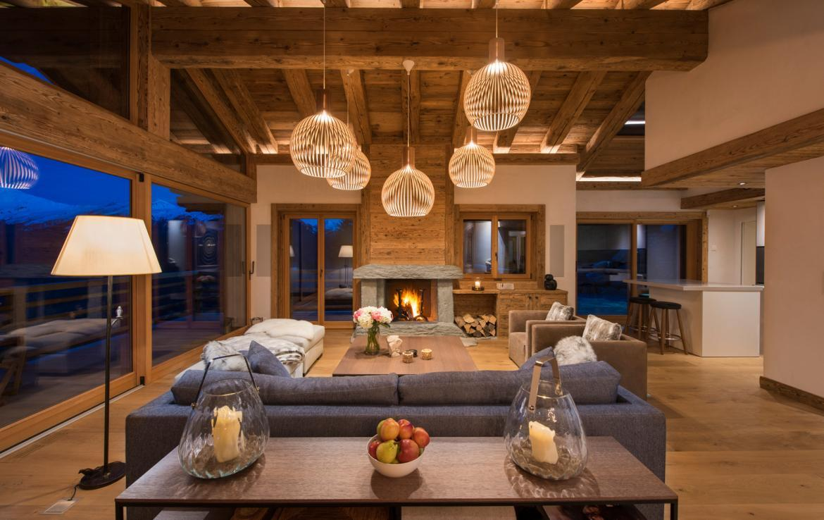Kings-avenue-verbier-snow-chalet-childfriendly-parking-wine-cave-fireplace-018-4