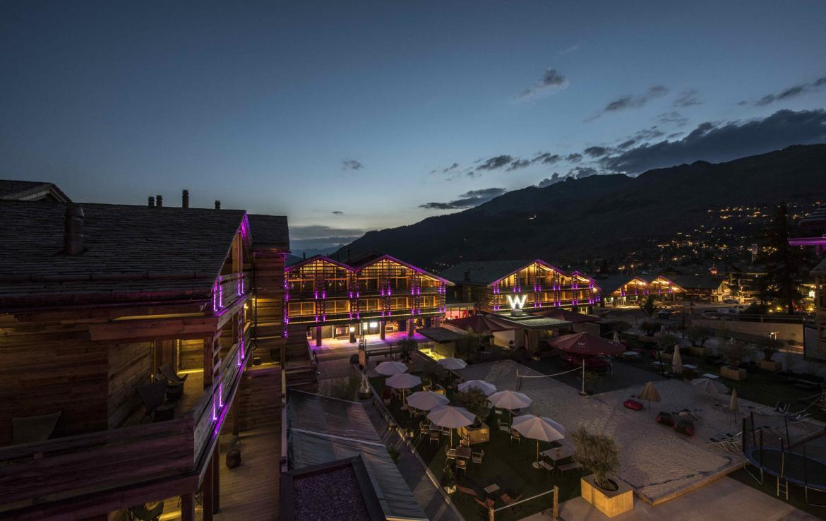 Kings-avenue-verbier-snow-chalet-fireplace-childfriendly-ski-in-ski-out-balconies-017-1