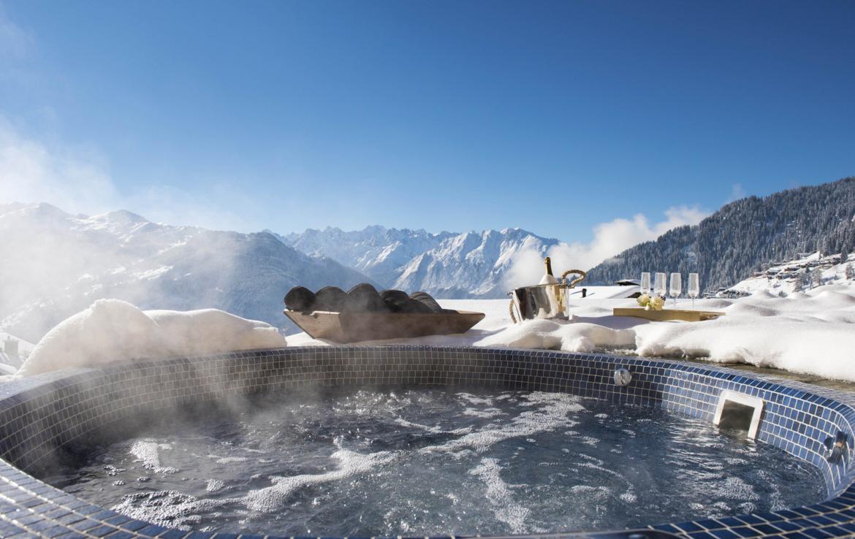 Kings-avenue-verbier-snow-chalet-hammam-cinema-boot-heaters-fireplace-swimming-pool-007-1