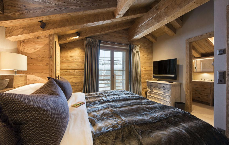 Kings-avenue-verbier-snow-chalet-hammam-cinema-boot-heaters-fireplace-swimming-pool-007-17