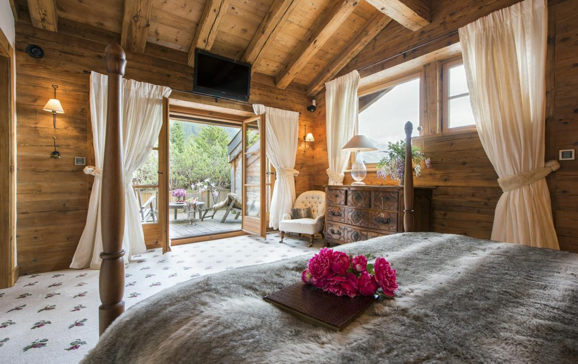 Kings-avenue-verbier-snow-chalet-hammam-swimming-pool-boot-heaters-fireplace-cinema-005-22