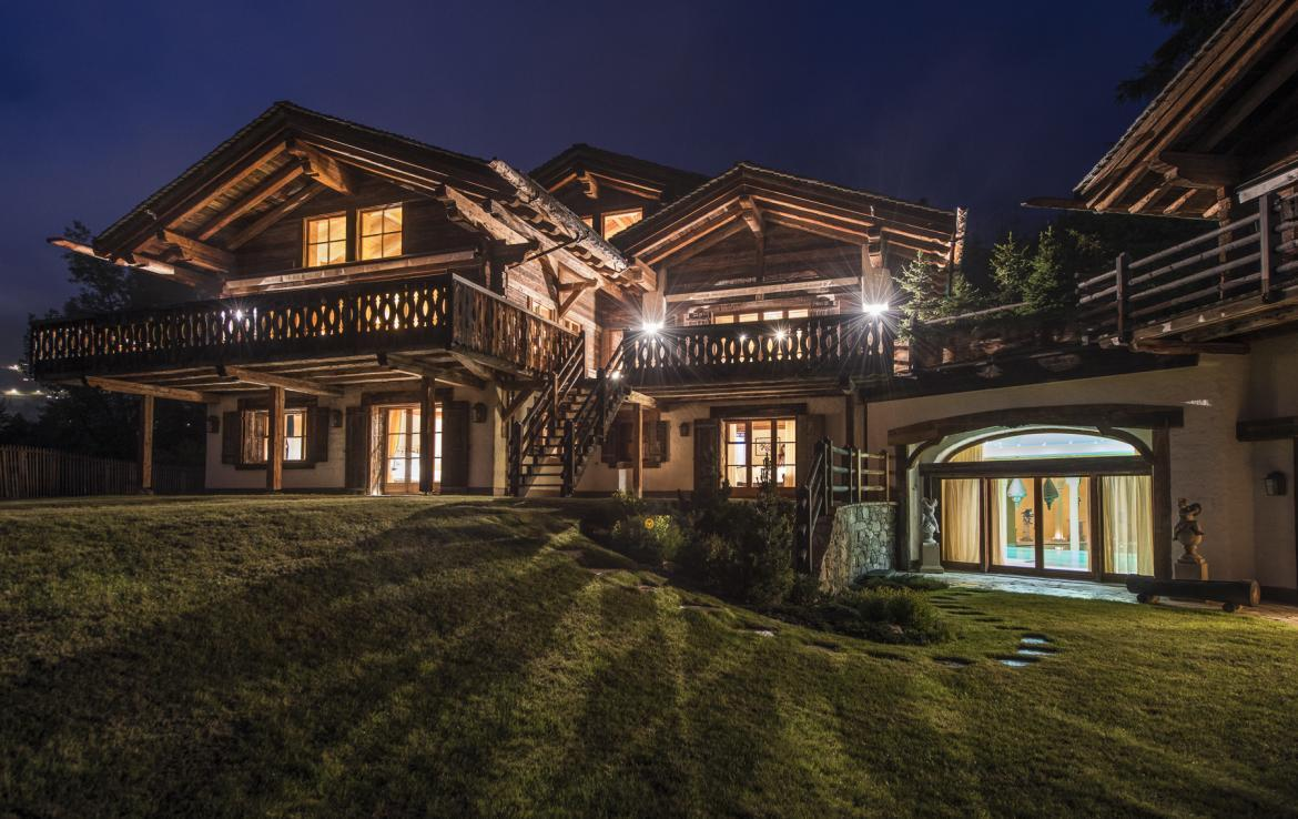 Kings-avenue-verbier-snow-chalet-hammam-swimming-pool-boot-heaters-fireplace-cinema-005-35