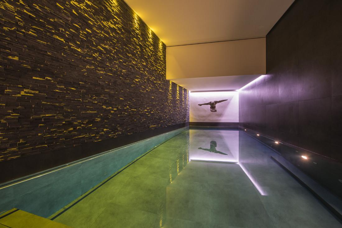Kings-avenue-verbier-snow-chalet-hammam-swimming-pool-childfriendly-parking-cinema-026-11