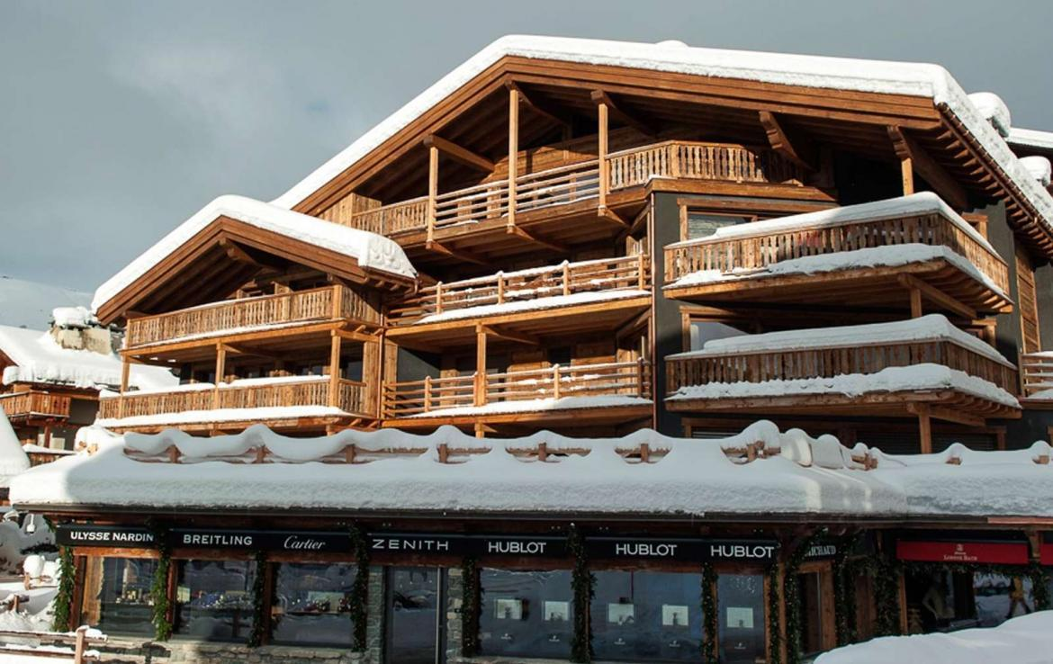 Kings-avenue-verbier-snow-chalet-outdoor-jacuzzi-childfriendly-fireplace-040-2