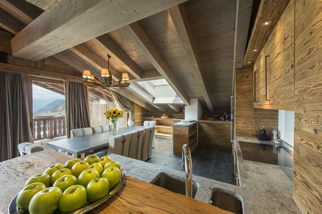 Kings-avenue-verbier-snow-chalet-outdoor-jacuzzi-childfriendly-fireplace-040-6