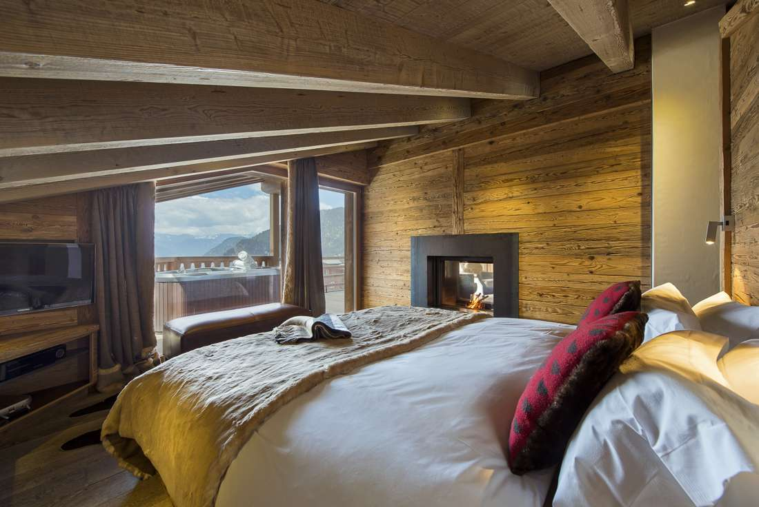 Kings-avenue-verbier-snow-chalet-outdoor-jacuzzi-childfriendly-fireplace-040-9