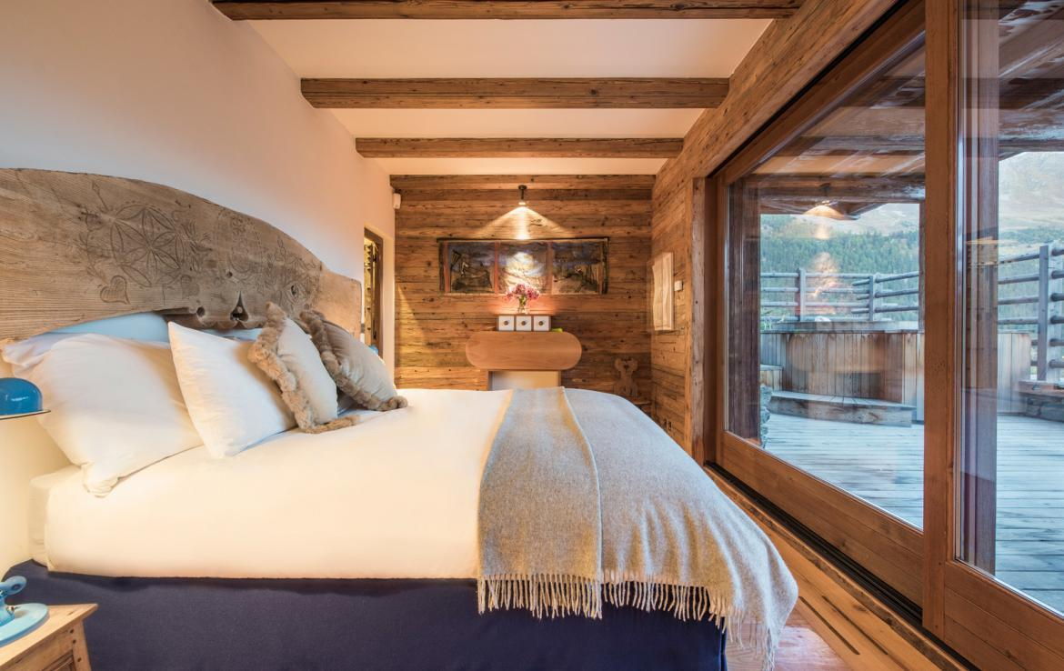 Kings-avenue-verbier-snow-chalet-outdoor-jacuzzi-cinema-boot-heaters-hammam-childfriendly-012-12