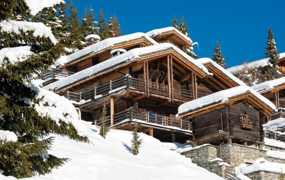 Kings-avenue-verbier-snow-chalet-outdoor-jacuzzi-cinema-boot-heaters-hammam-childfriendly-012-2