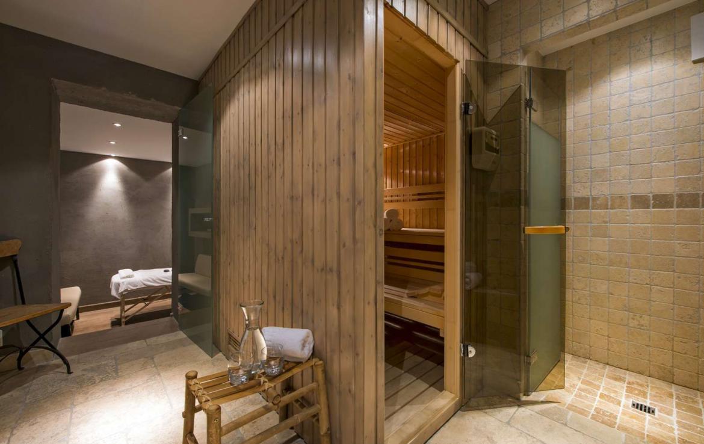 Kings-avenue-verbier-snow-chalet-outdoor-jacuzzi-parking-childfriendly-massage-room-081-13