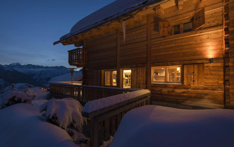 Kings-avenue-verbier-snow-chalet-outdoor-jacuzzi-parking-childfriendly-massage-room-081-3