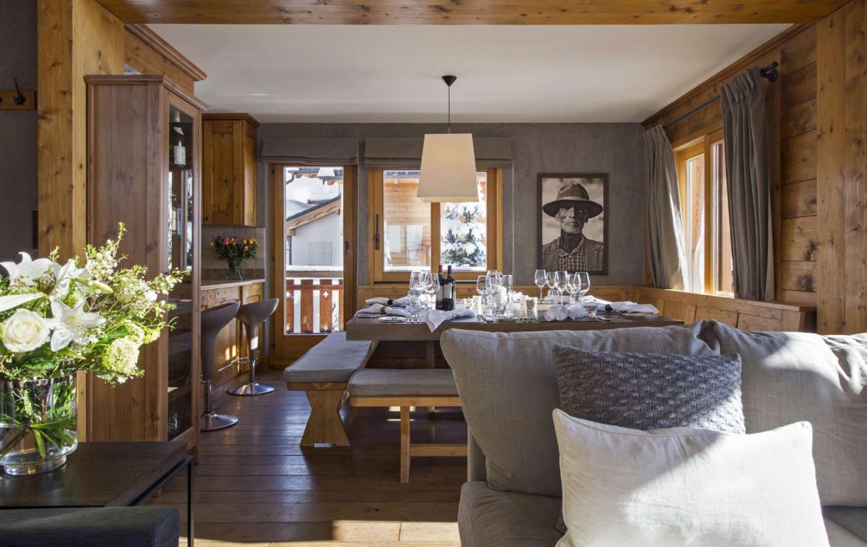 Kings-avenue-verbier-snow-chalet-outdoor-jacuzzi-parking-childfriendly-massage-room-081-7
