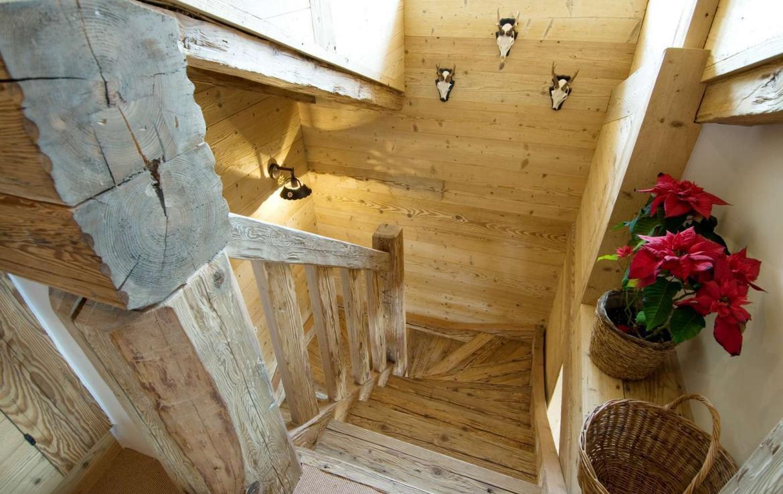 Kings-avenue-verbier-snow-chalet-sauna-hammam-swimming-pool-fireplace-wine-cellar-010-21