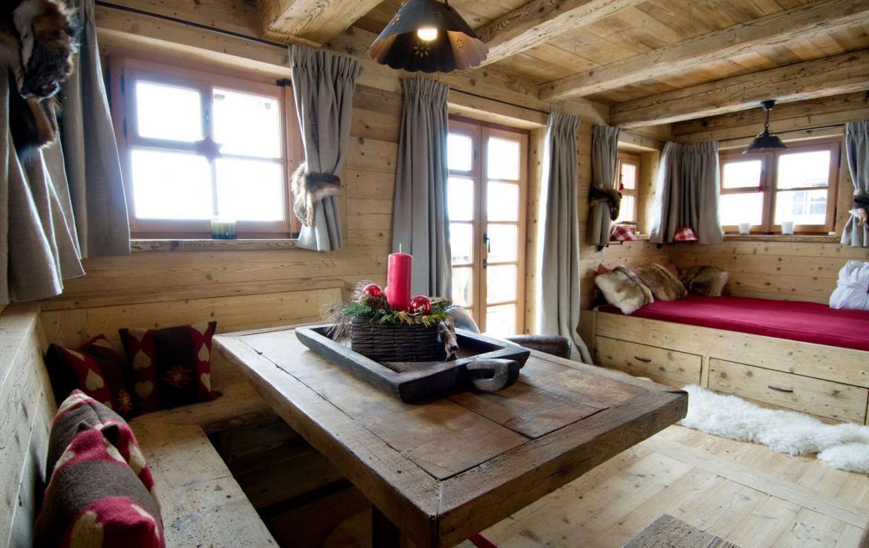 Kings-avenue-verbier-snow-chalet-sauna-hammam-swimming-pool-fireplace-wine-cellar-010-23