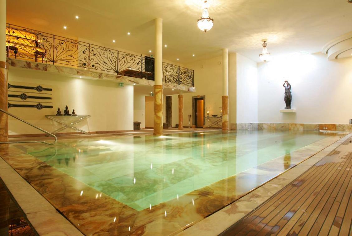 Kings-avenue-verbier-snow-chalet-sauna-jacuzzi-hammam-fireplace-sushi-bar-wine-cellar-001-1
