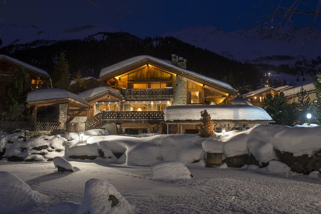 Kings-avenue-verbier-snow-chalet-sauna-jacuzzi-hammam-swimming-pool-parking-cinema-011-1