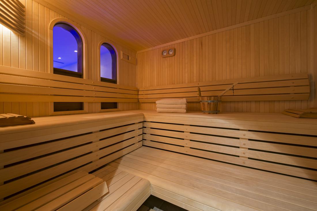 Kings-avenue-verbier-snow-chalet-sauna-jacuzzi-hammam-swimming-pool-parking-cinema-011-28