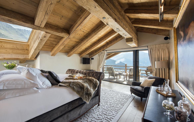 Kings-avenue-verbier-snow-chalet-sauna-outdoor-jacuzzi-cinema-fireplace-hammam-009-12