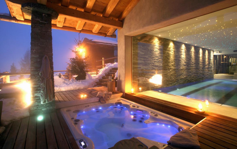 Kings-avenue-verbier-snow-chalet-sauna-outdoor-jacuzzi-hammam-swimming-pool-area-verbier-015-18
