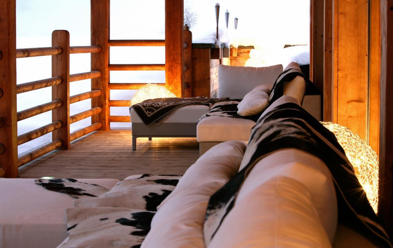 Kings-avenue-verbier-snow-chalet-sauna-outdoor-jacuzzi-hammam-swimming-pool-area-verbier-015-4