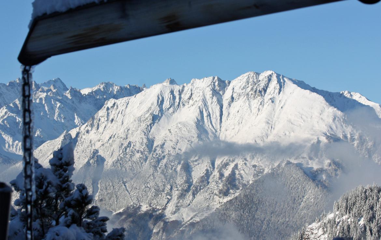 Kings-avenue-verbier-snow-chalet-sauna-outdoor-jacuzzi-hammam-swimming-pool-area-verbier-015-5