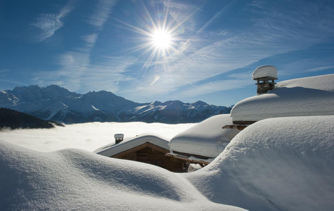 Kings-avenue-verbier-snow-chalet-suana-swimming-pool-boot-heaters-fireplace-020-1