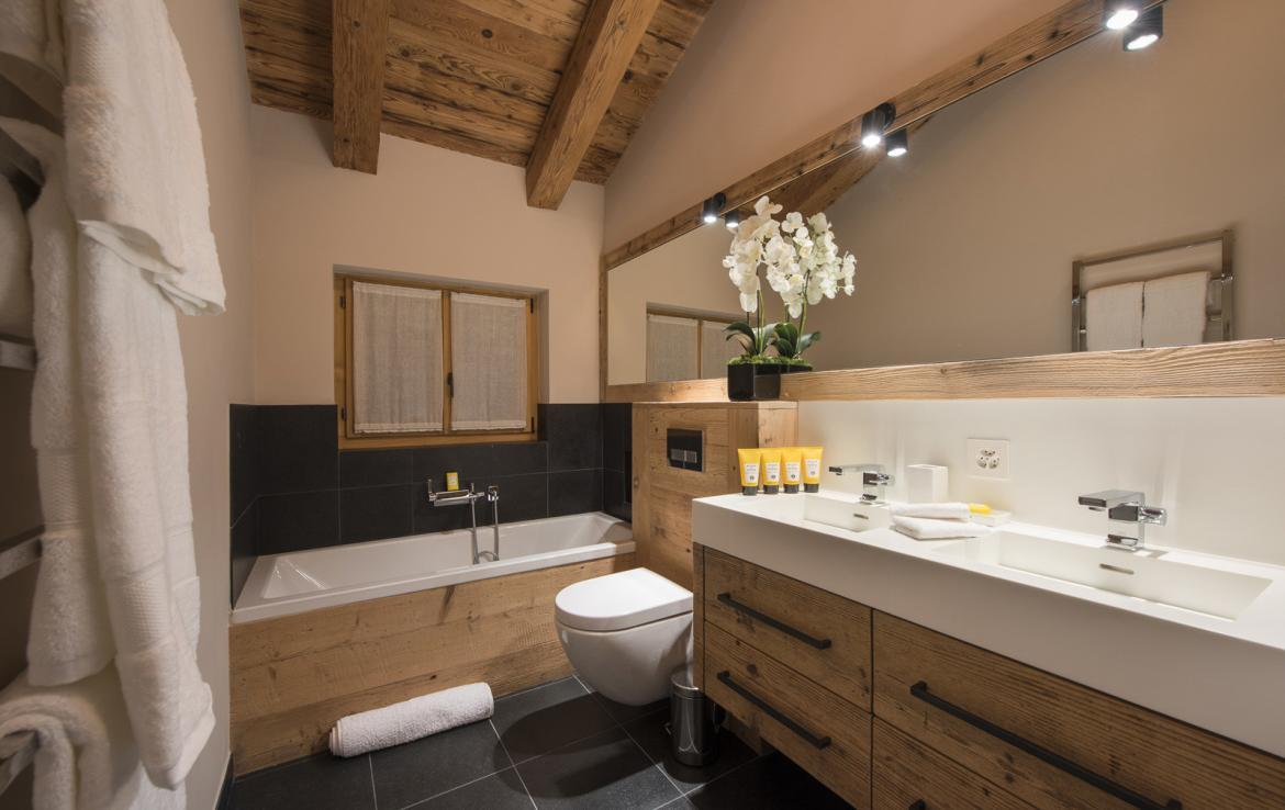 Kings-avenue-verbier-snow-chalet-suana-swimming-pool-boot-heaters-fireplace-020-14
