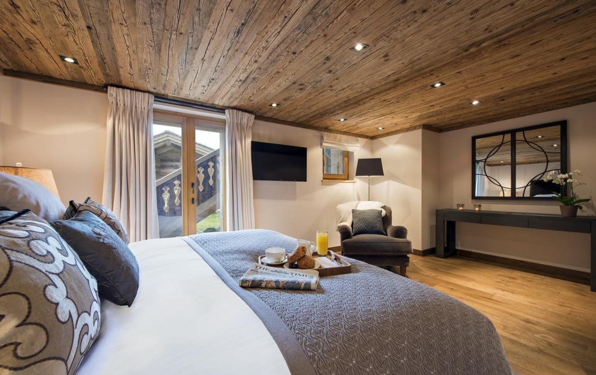 Kings-avenue-verbier-snow-chalet-suana-swimming-pool-boot-heaters-fireplace-020-17