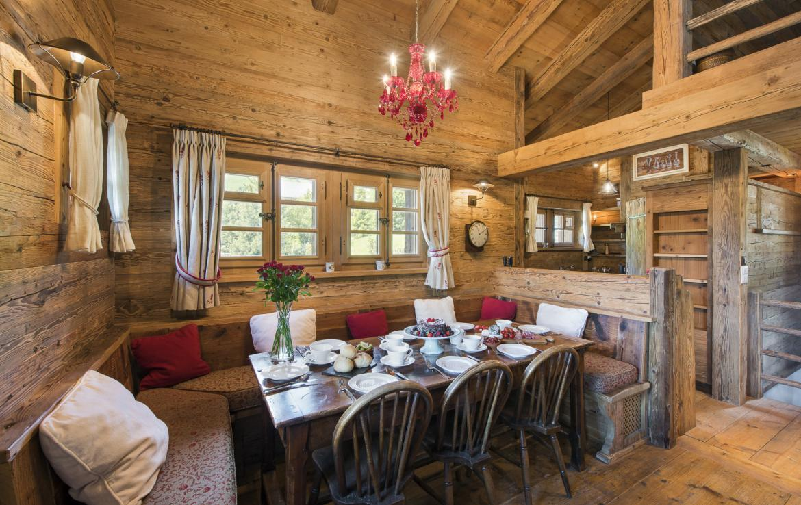 Kings-avenue-verbier-wifi-jacuzzi-childfriendly-parking-fireplace-pool-table-bar-area-verbier-021-12