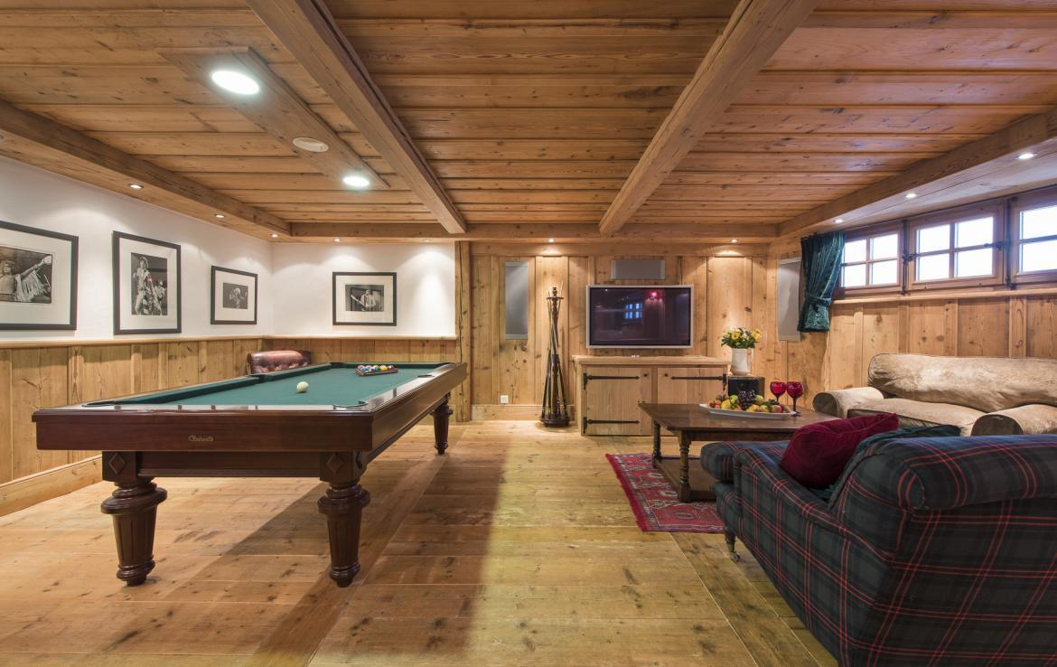 Kings-avenue-verbier-wifi-jacuzzi-childfriendly-parking-fireplace-pool-table-bar-area-verbier-021-14