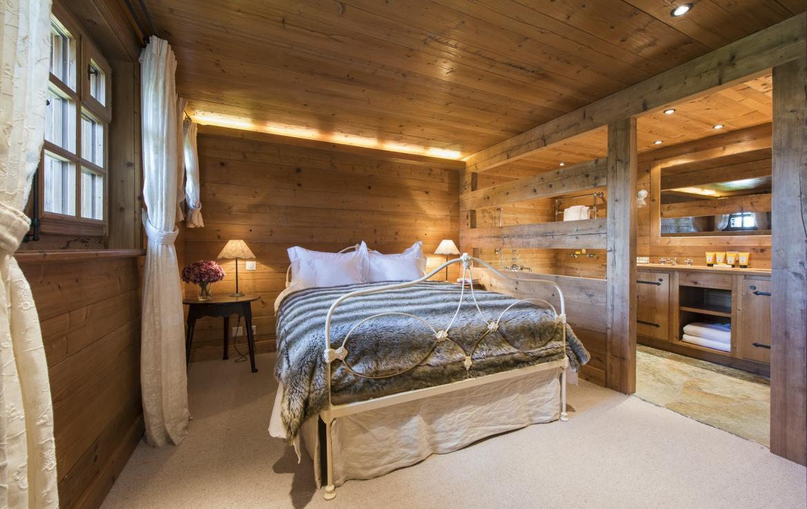 Kings-avenue-verbier-wifi-jacuzzi-childfriendly-parking-fireplace-pool-table-bar-area-verbier-021-16