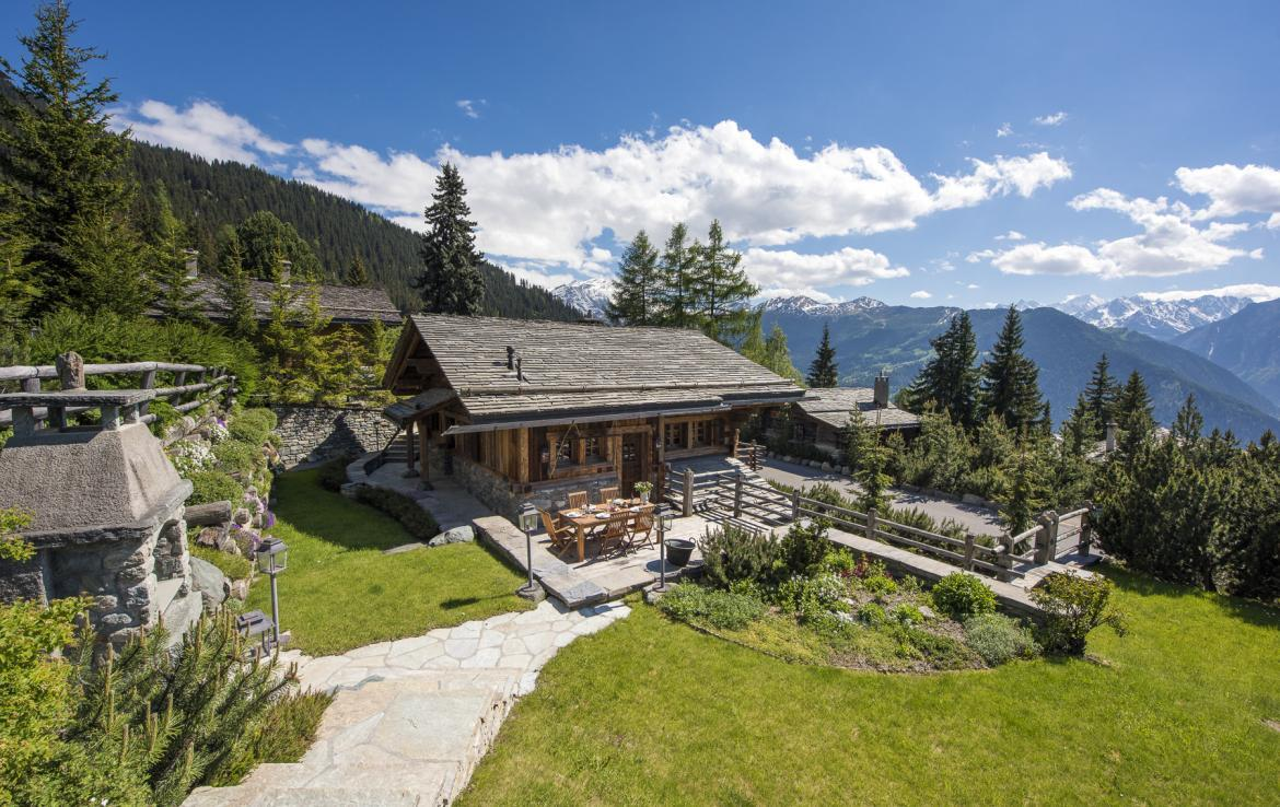 Kings-avenue-verbier-wifi-jacuzzi-childfriendly-parking-fireplace-pool-table-bar-area-verbier-021-3
