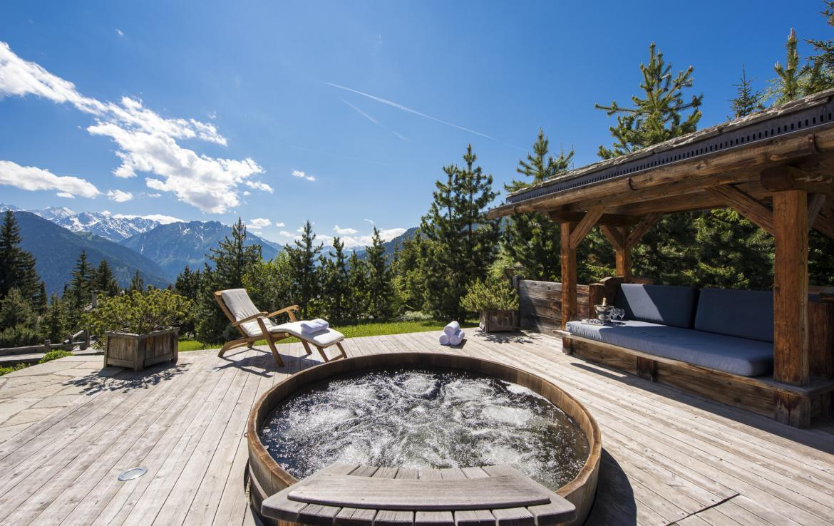 Kings-avenue-verbier-wifi-jacuzzi-childfriendly-parking-fireplace-pool-table-bar-area-verbier-021-4