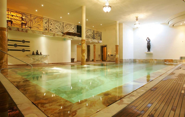 Kings-avenue-verbier-wifi-sauna-jacuzzi-hammam-swimming-pool-childfriendly-parking-cinema-gym-fireplace-beauty-spa-terraces-cigar-lounge-area-verbier-001-2